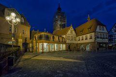 Rathaus und Kirche in Erbach