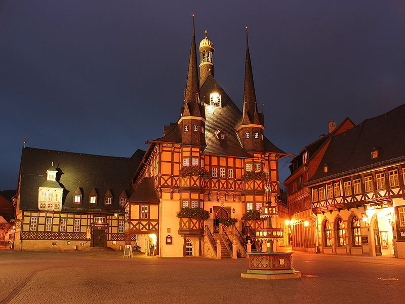 Rathaus und Marktplatz in Wernigerode