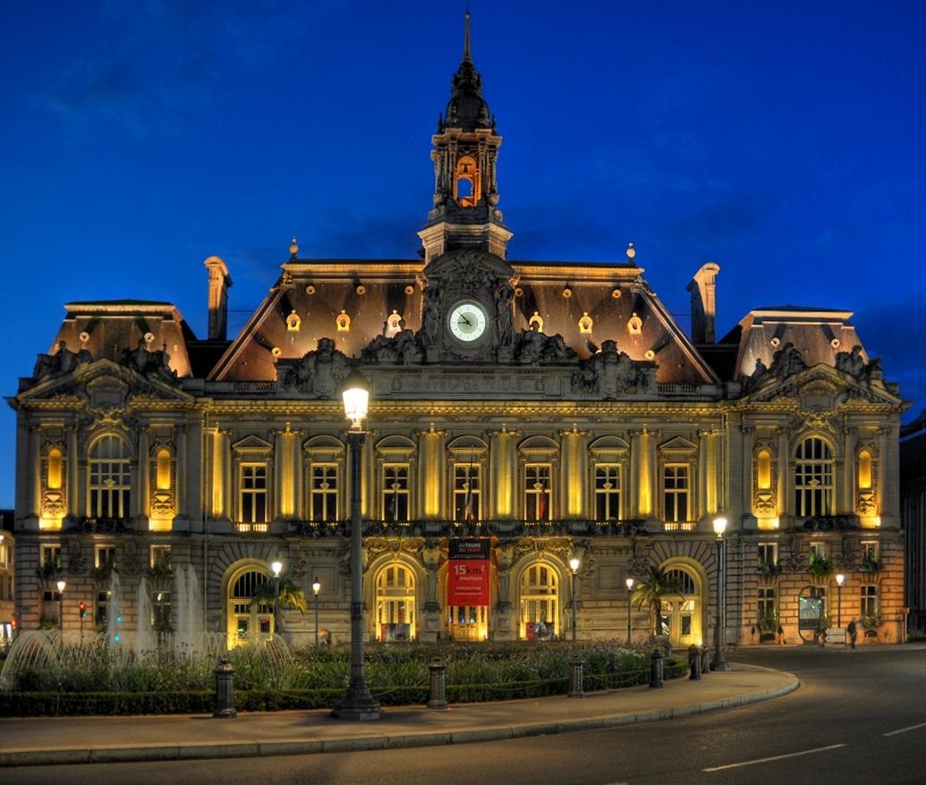 Rathaus von Tours 01