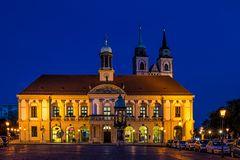 Rathaus zur blauen Stunde