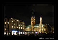 Rathaus zur Weihnachtszeit