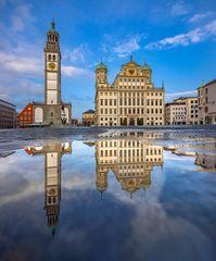 Rathausplatz Spiegelung