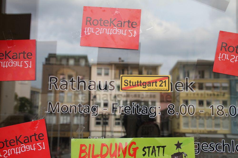 Rathausportal in Stuttgart - K21 Sept2010