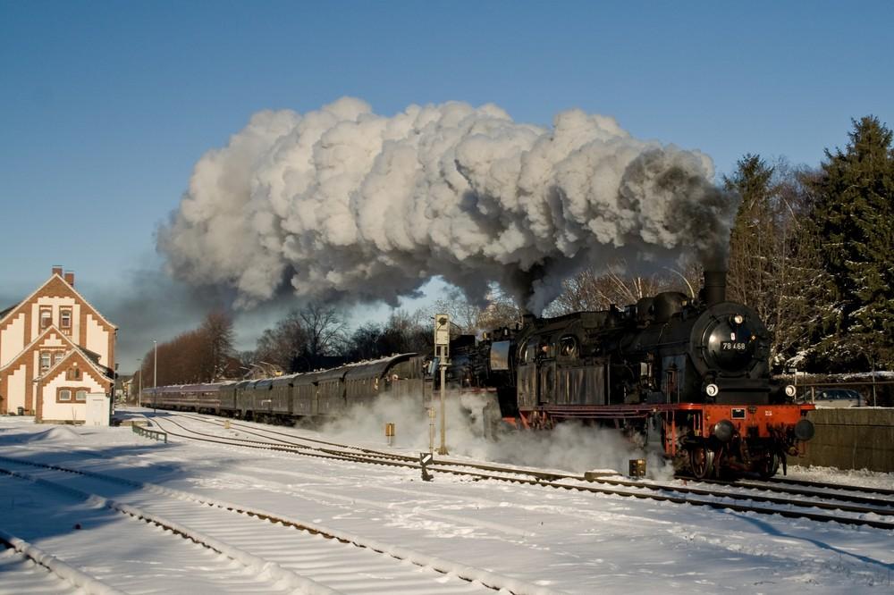 Rauch-Dampf-Schnee mit der 50 3655 und der 78 468