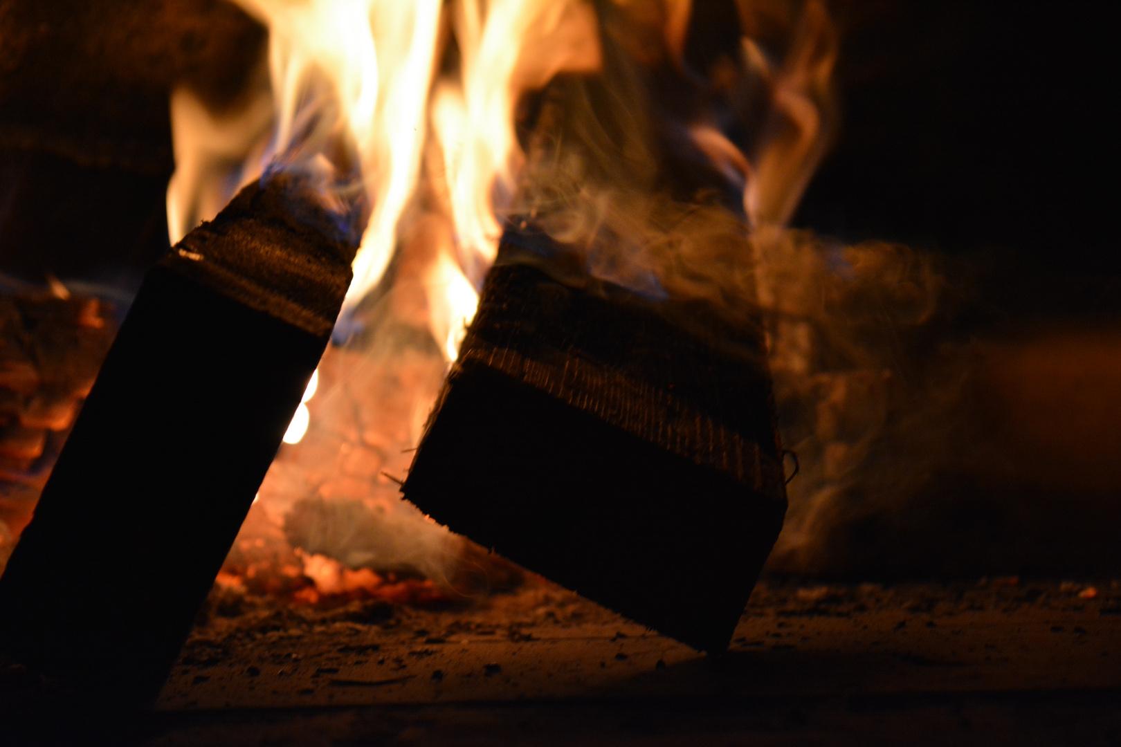Rauch und Holz