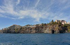 Raue Küstenlandschaft im Westteil von Funchal