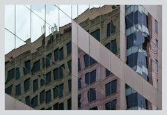 Reale und virtuelle Skyline von Sydney
