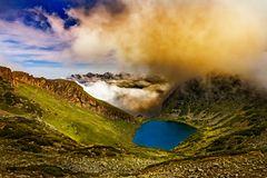 Realität wird überbewertet :: See im Gebirge