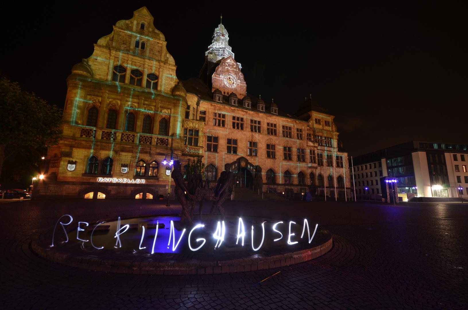Recklinghäuser Rathaus mit Lichtschriftzug