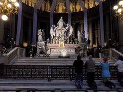 Recueillement - église de la Madeleine - Paris