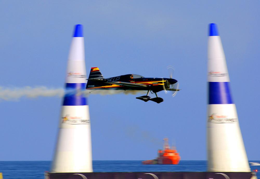 """Red Bull Air Race """"Alex McLean a tope"""""""