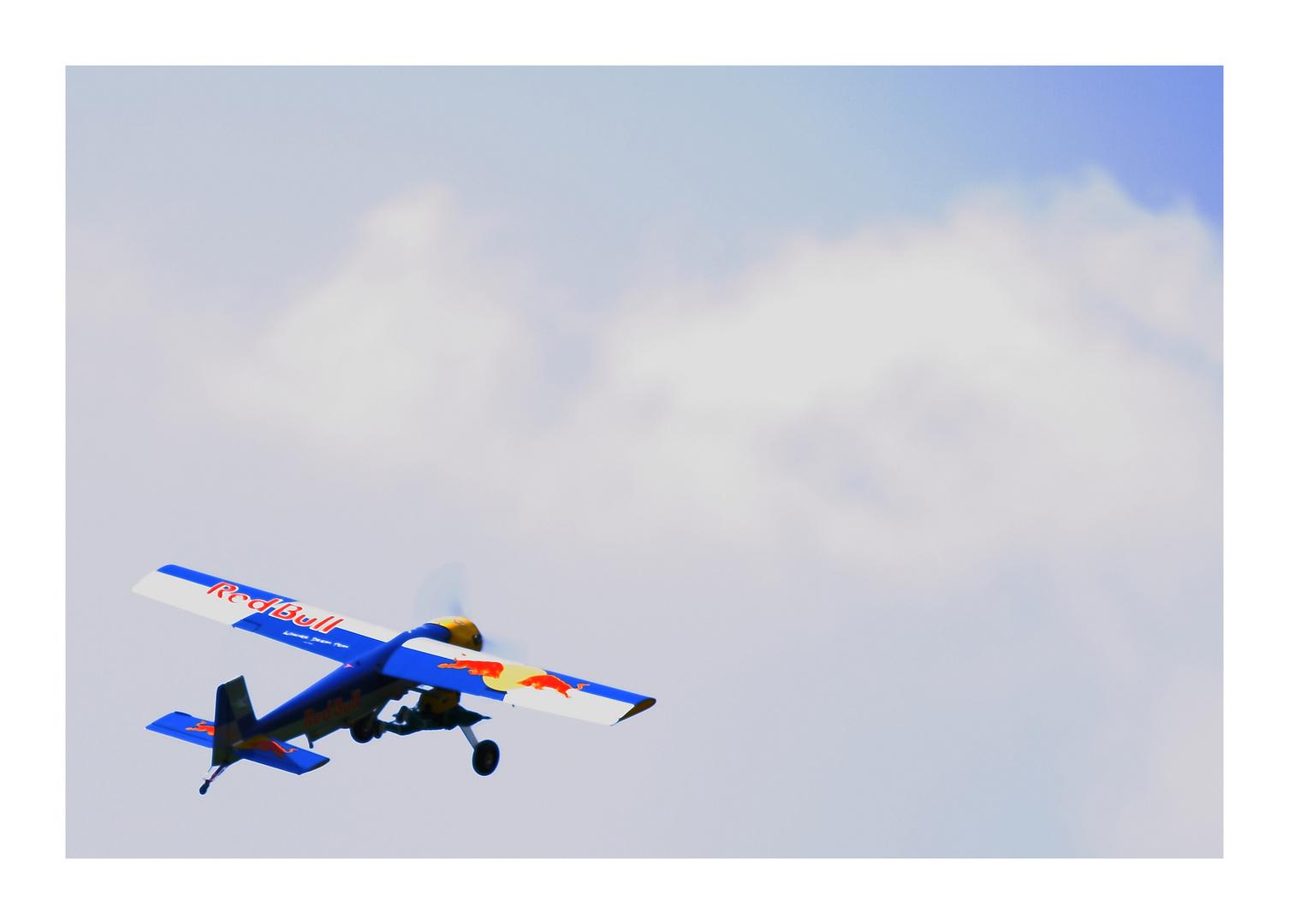 Red Bull verleiht......