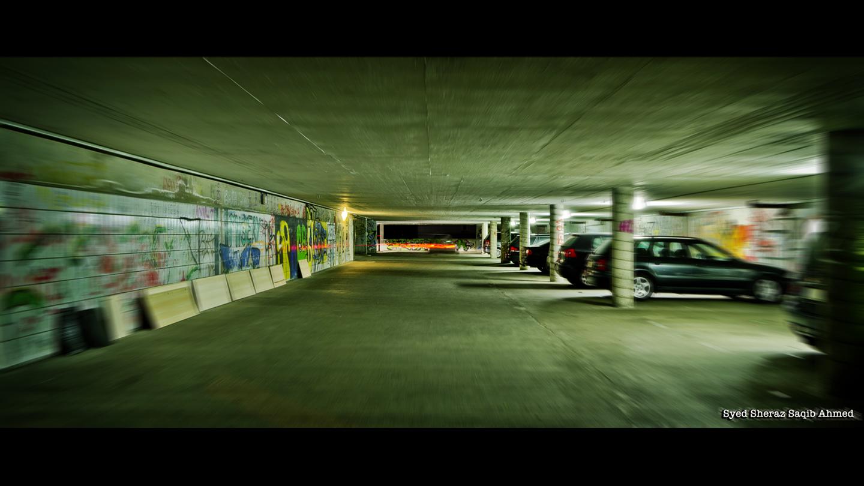 RED Epic Kamera - Tiefgarage Autoparkplatz - Dynamische Aufnahme in Berlin Screenshot RED Epic