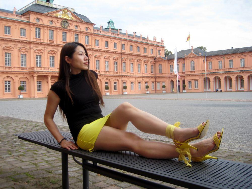 Red palace Foto & Bild | fashion, outdoor, frauen Bilder