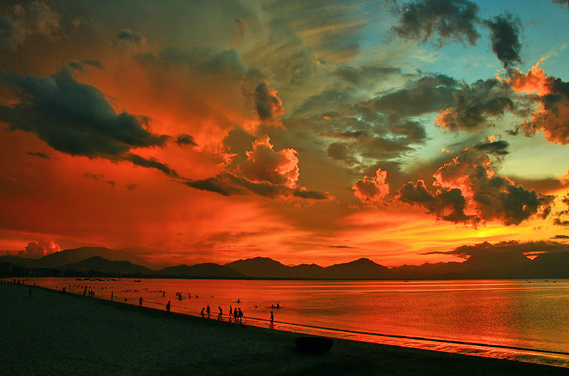 Red sunset on Da nang bay