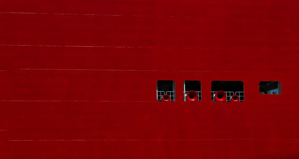 red.ship.out