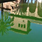 Reflejos en La Alhambra de Granada.