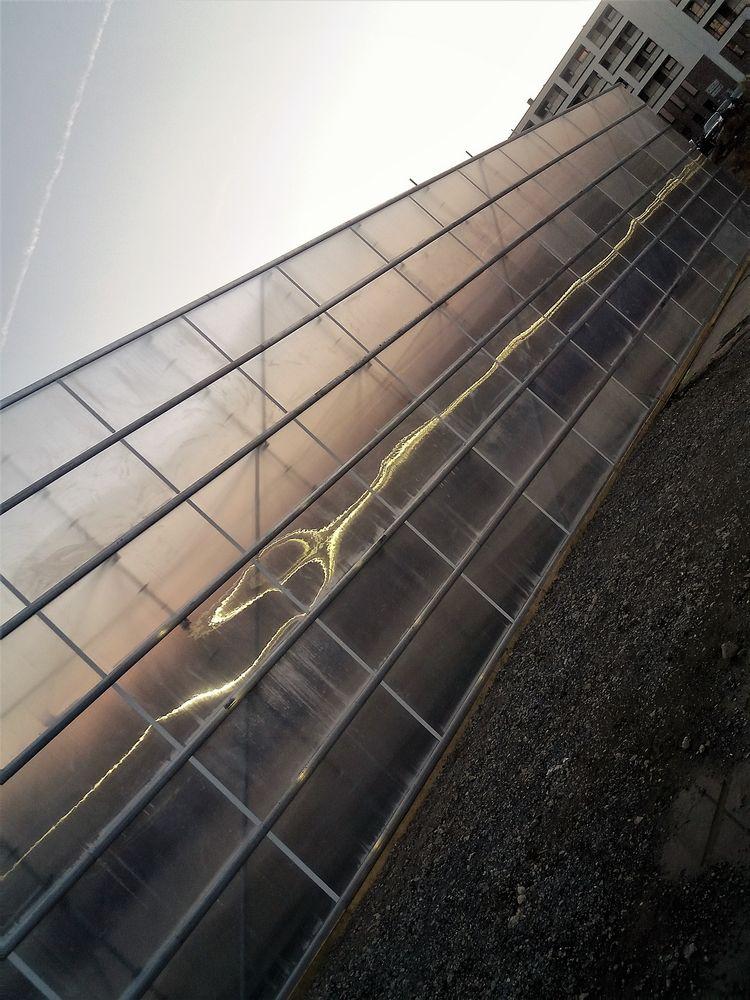 Reflektion an Mauer sunset S-31 J5