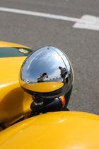 Reflet dans un phare de Lotus Seven