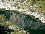 Reflets des falaises sur l'Ardèche .
