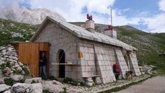 Refugio Garibaldi 2230 m unterhalb des Corno Grande von 1886