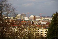 Rege Bautätigkeit in Berlin - der Ex-Senator Strieder würde sich freuen ...
