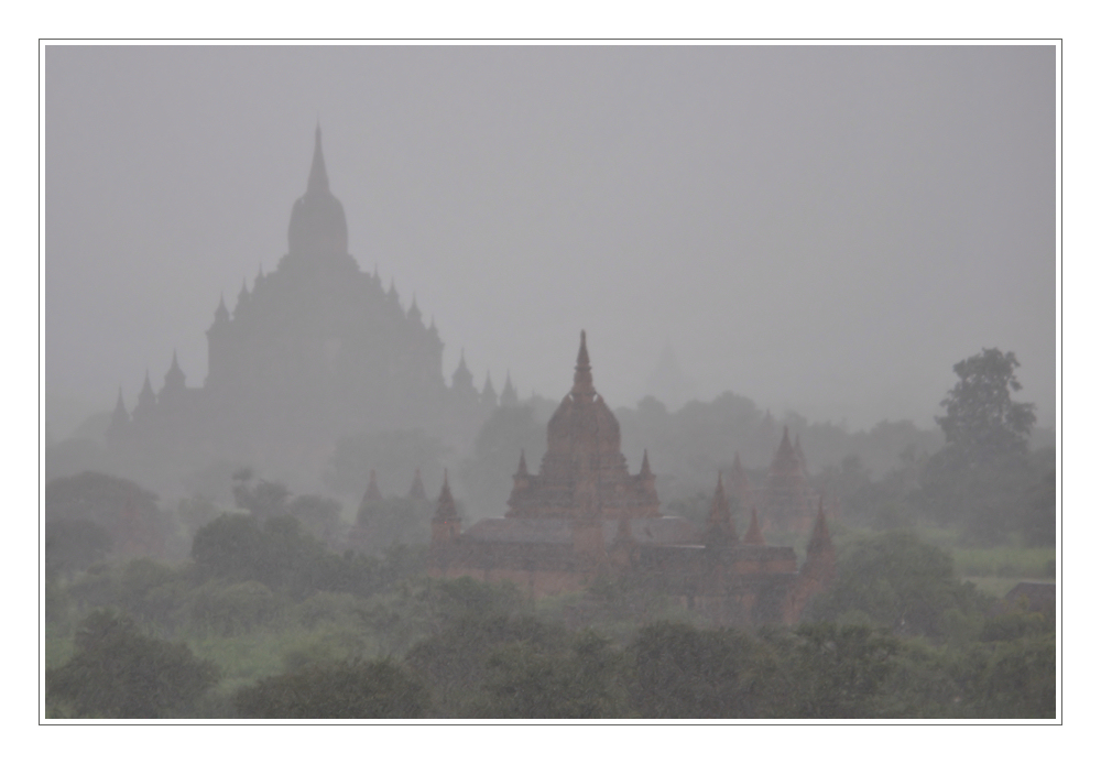 Regen in Bagan