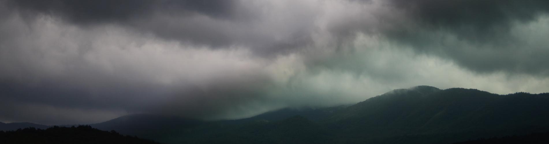 Regen naht.....