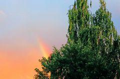Regen-Sonne-Regenbogen