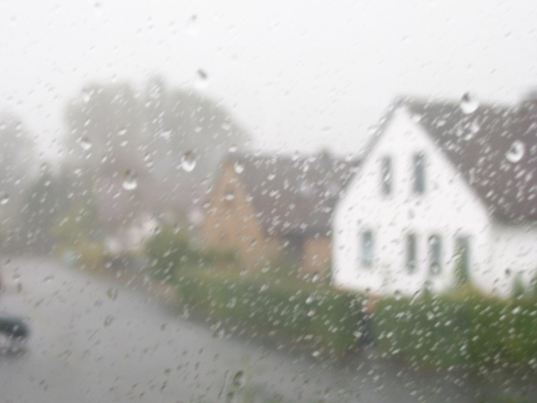 Regen vorm Haus meiner Eltern