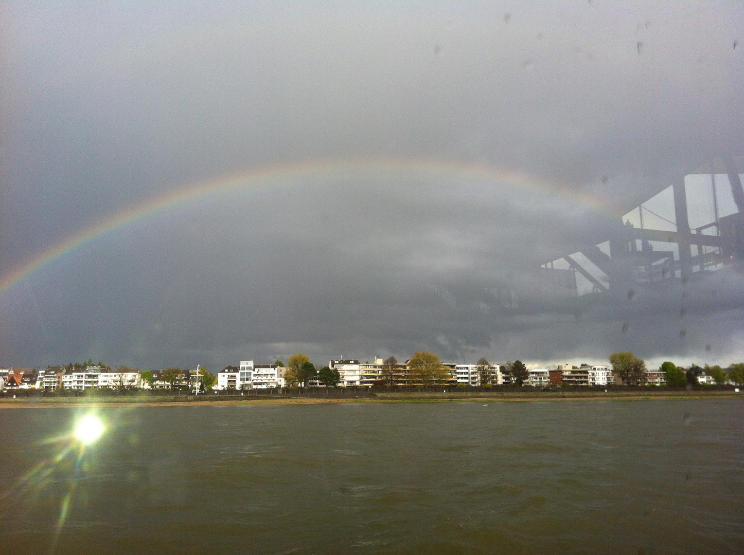 Regenbogen im April