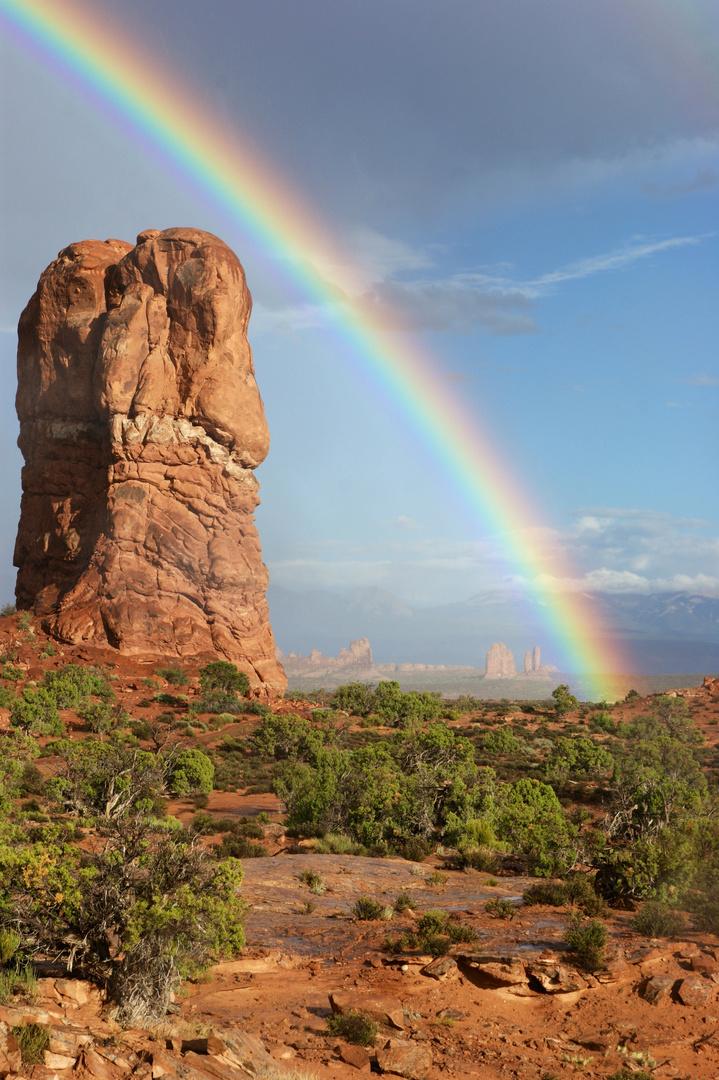Regenbogen im Arches NP