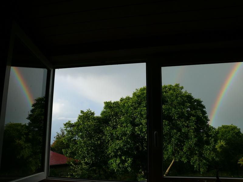 regenbogen im fenster