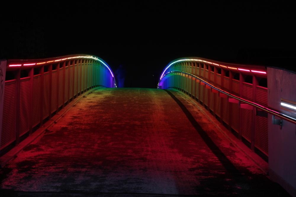 Regenbogen in der Nacht