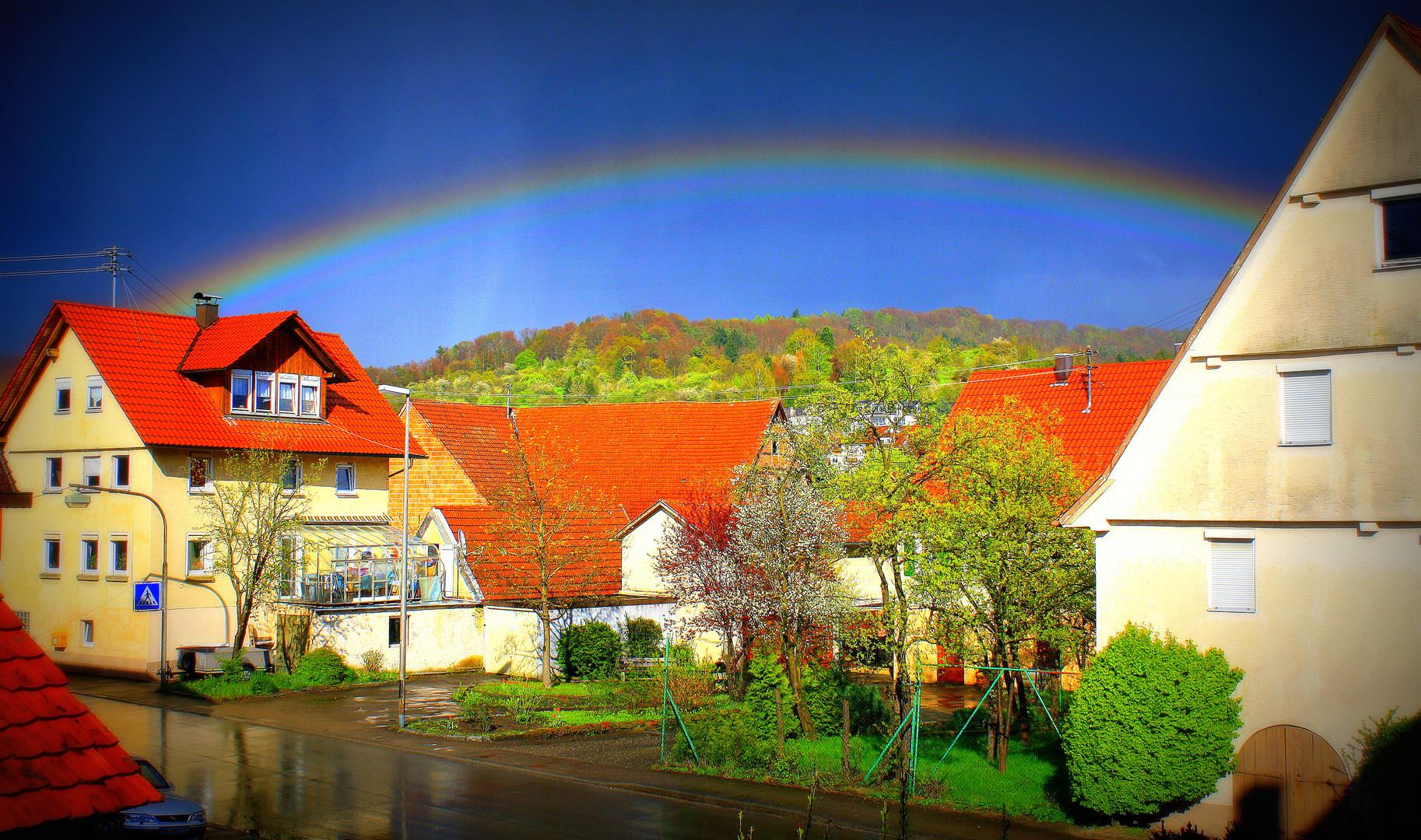 regenbogen in mittelbrüden foto  bild  regenbögen