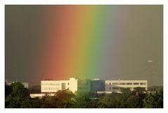 Regenbogen über Canon Deutschland