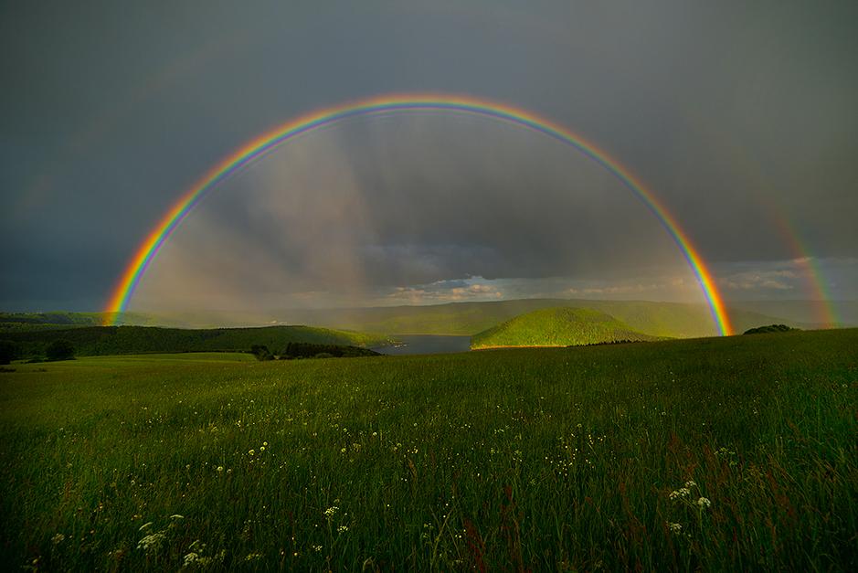 Regenbogen über dem Rursee