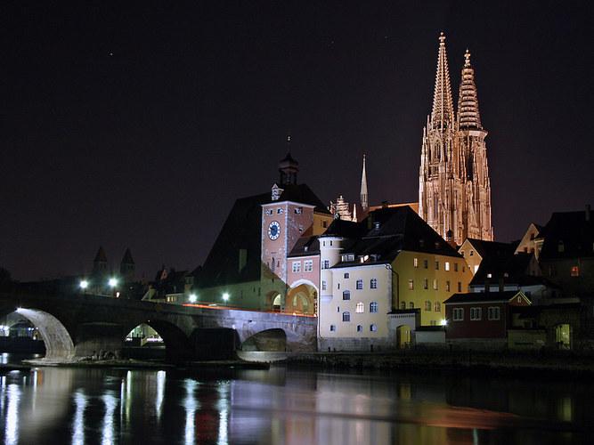 Regensburg im Dunkel