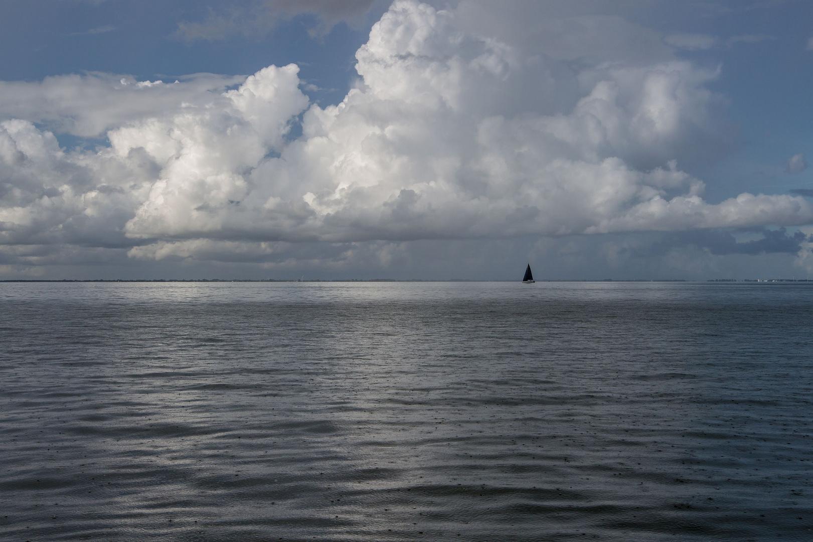 Regentag auf dem Ijsselmeer