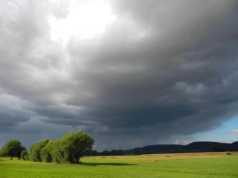 Regenwolken über dem Tal