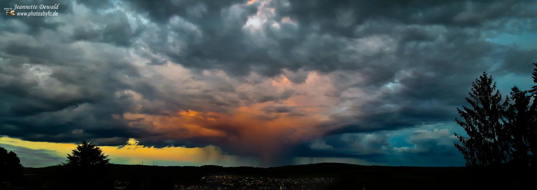Regenwolken über Nidda - Photos by FC - Jeannette Dewald