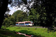 Regiobahn am Kanal