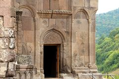 Reich verzierte Fassade einer Kirche v. Goschawank