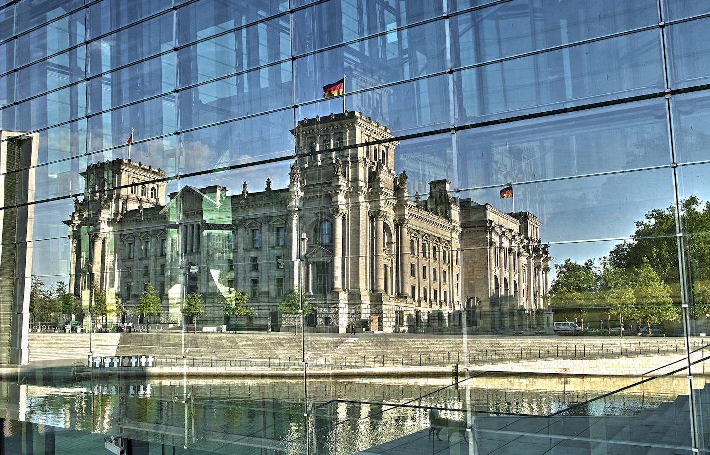 Reichstag im Spiegel (Sommer 2010)