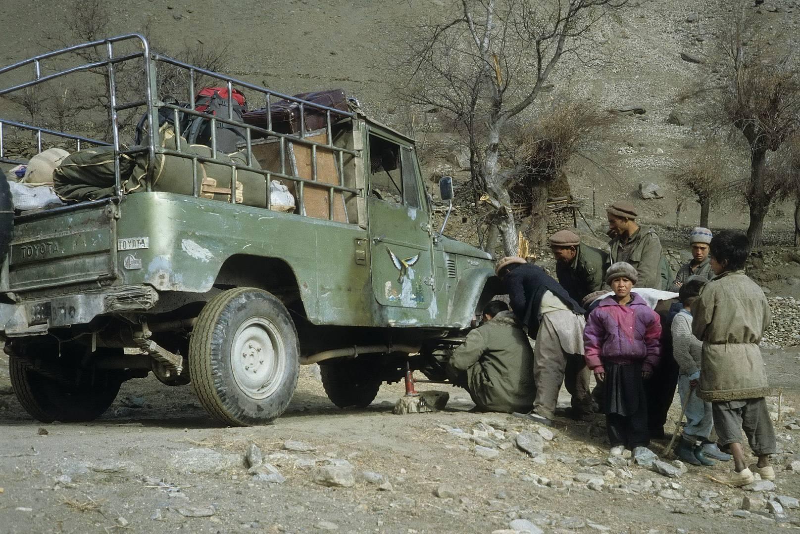 Reifenpanne in Pakistan