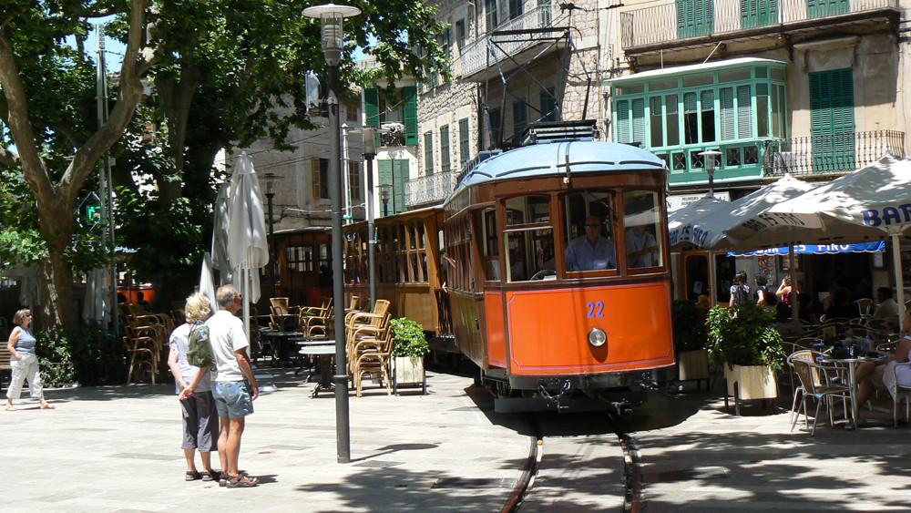 Reise in die Vergangenheit per Straßenbahn