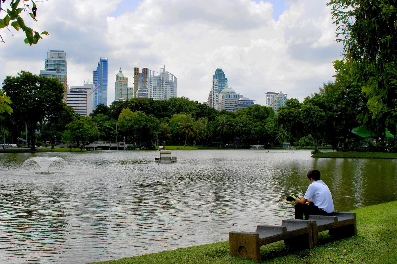 RELAX -- Bangkok Lumpini Park