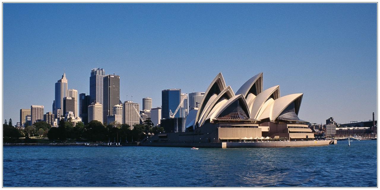 [Reload-2] Sydney Opera House und Sydney Skyline
