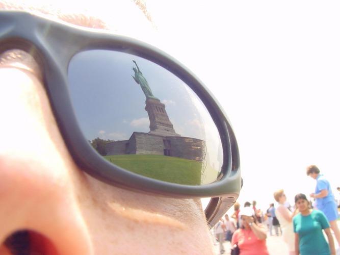 RELOAD: Lady Liberty im Spiegel der Freiheit