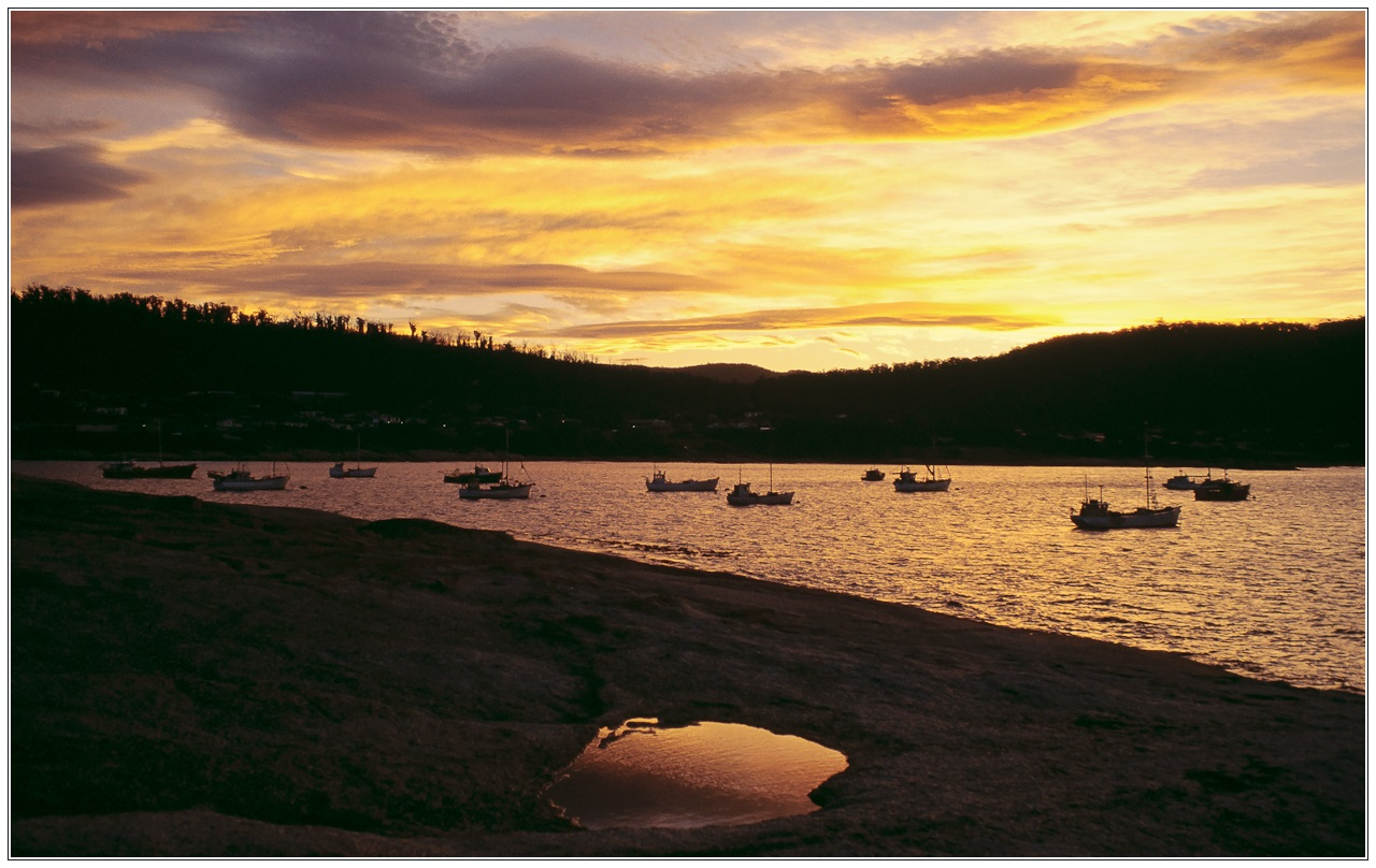 [Reload] Traumziel Tasmanien: Sonnenuntergang über der Maclean Bay, Bicheno